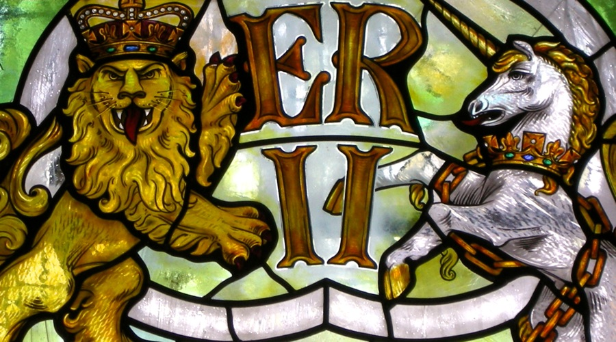 Stained glass lion and unicorn by David Williams & Stephen Byrne