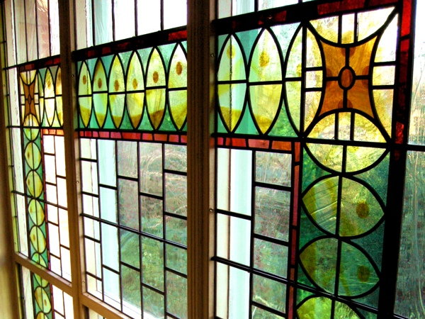 New stained glass for a Victorian coach house